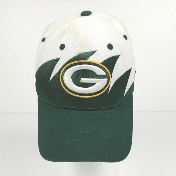 2317b627fba9e Reebok VTG Green Bay Packers Hat Cap Shark Tooth